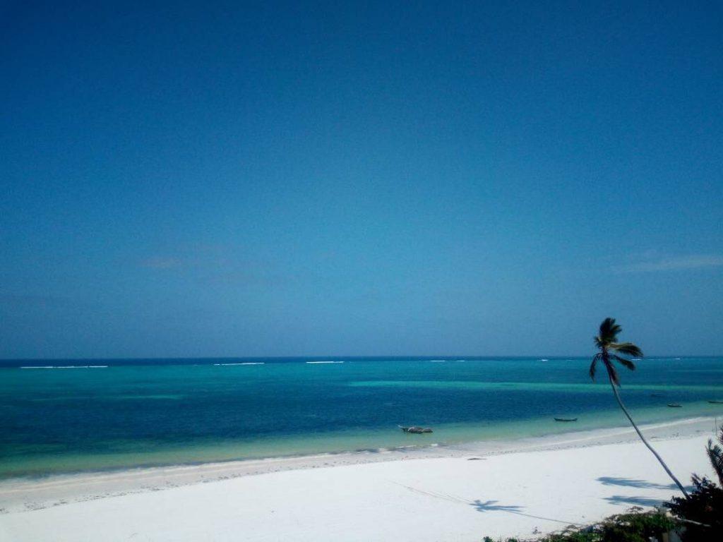 Mandhari Villa - Beach 2
