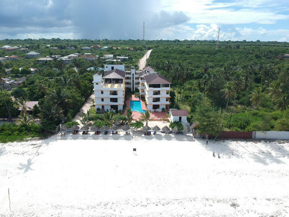 Mandhari Villa Beach and Hotel area