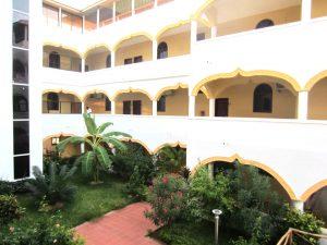 Mandhari Villa courtyard