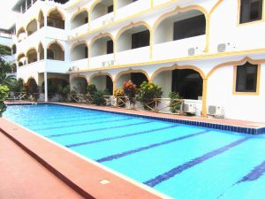 Mandhari Villa pool and rooms