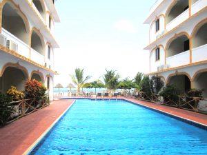 Mandhari Villa pool