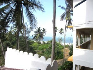Mandhari Villa beach and back left side